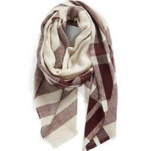 Nordstrom BP blanket scarf tan/burgundy plaid